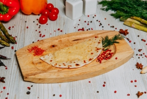 Кутаб с начинкой из сыра